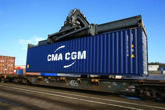 325650-le-conteneur-le-multimodal-entre-terre-et-mer